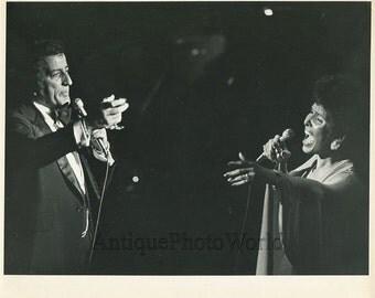 Tony Bennett and Lena Horne singing vintage art photo