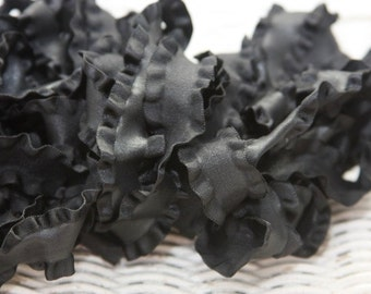 Double Ruffle 7/8 ribbon in black - 5 yard length - makes gorgeous hairbows