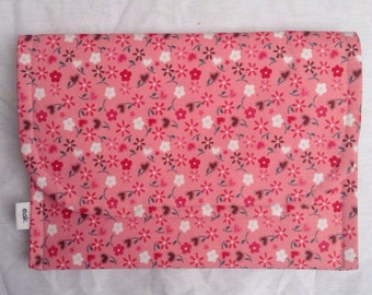 30% off SALE --- Pink Floral eReader Case With Two Pockets