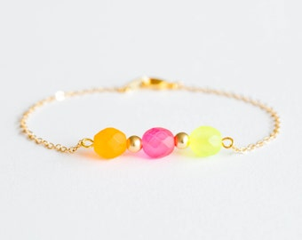 Delicate gold bracelet with neon beads - delicate minimal jewelry