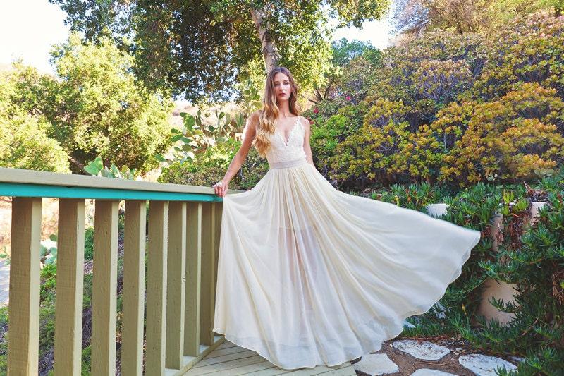 2-PIECE Lace Backless Wedding Dress. DREAMY By