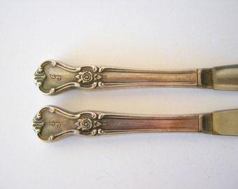 pair of vintage knives - monogrammed flatware - J