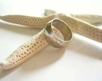 vintage sterling wide band ring - hammered sterling silver ring - ladies size 7 ring