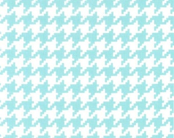 Fat Quarter Aqua/ White Houndstooth Check CX6363 by Michael Miller
