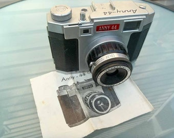 ANNY 44 camera, Classic!!  Metal Diana type camera with original case and instructions AMAZING pictures!