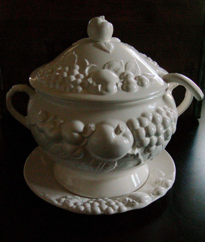 Vintage Soup Tureen Bowl Kitchen Table Serve White Glazed