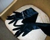 REDUCED, Absolutely Fabulous vintage long black velvet gloves; full arm length evening gloves; glamour; Hollywood