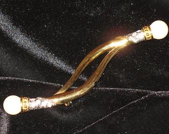 Costume gold brooch