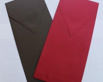 25 tea-length envelopes