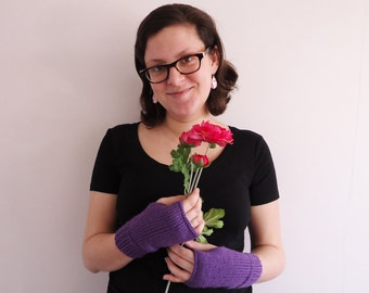 Fingerless mittens, knit in light purple, fingerless gloves
