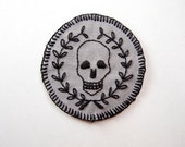 "Mors Vincit Omnia - Hand Embroidered 2.5"" Skull and Wreath Patch in Black and Gray"