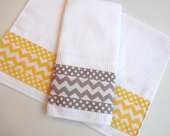 set of 2 towels kitchen towels grey and yellow yellow and. Black Bedroom Furniture Sets. Home Design Ideas