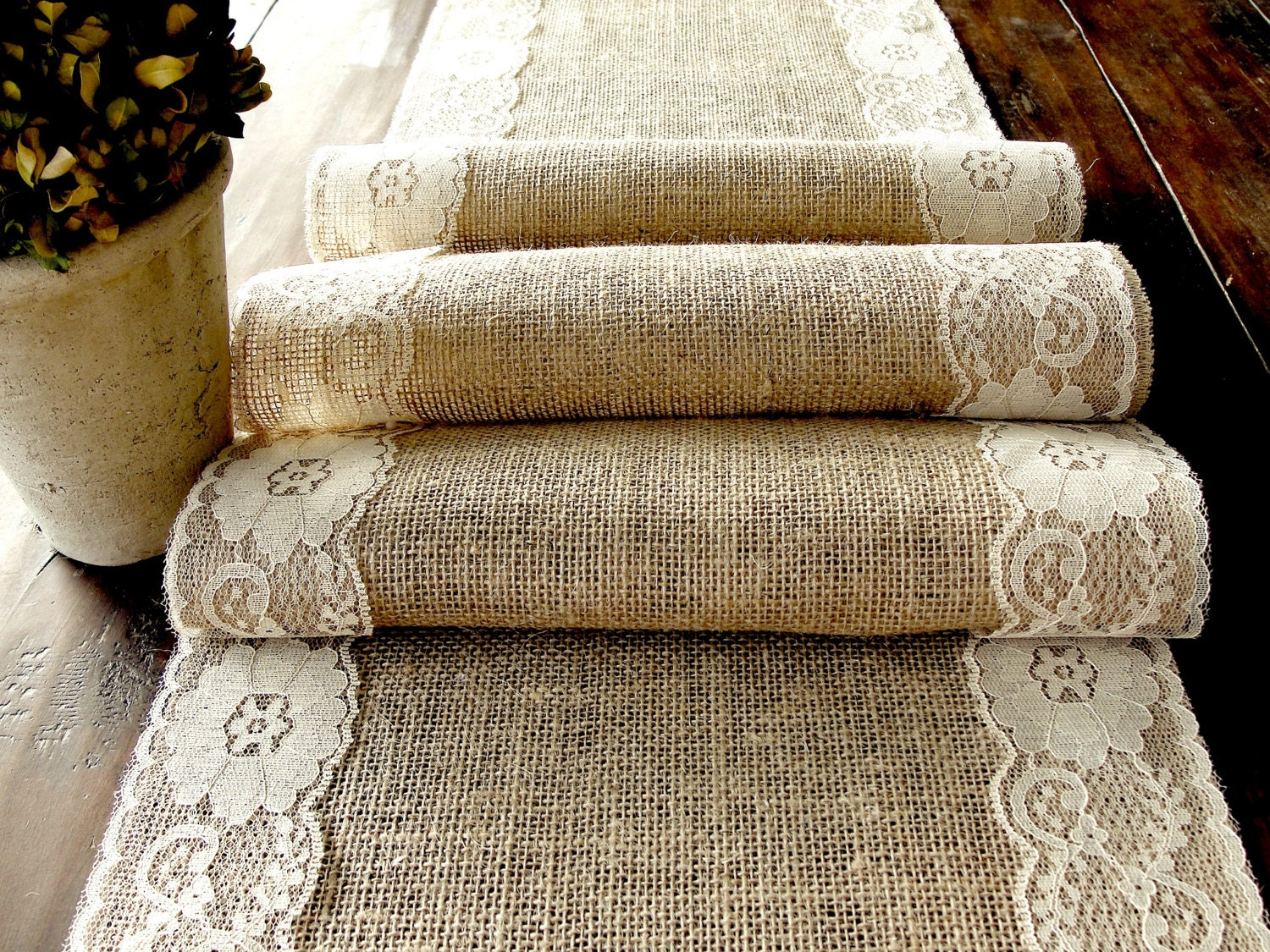 Burlap Round Table Overlays Burlap Table Overlays Home And Furnitures Reference