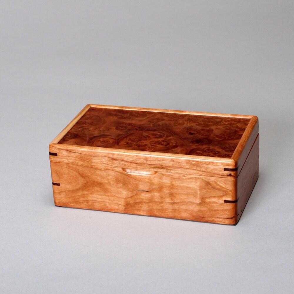small wooden keepsake box treasure box memory box mens box. Black Bedroom Furniture Sets. Home Design Ideas