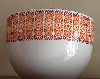 Rare Finel White-Based Daisy Bowl