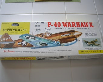 P-40 WARHAWK Balsa WWII Plane Flying Model Guillows 1980 Flying Tigers