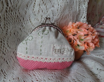 Handmade kiss lock Coin Purse--lace and stitch