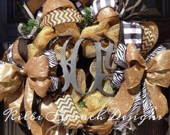 Burlap wreath // JOY // Gold // Black // White // Christmas green