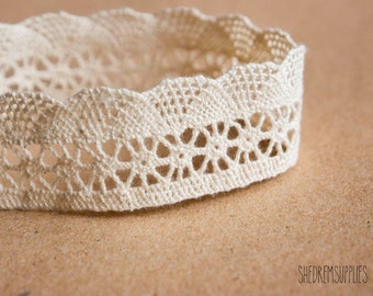 1 yards (0.9 M) Embroidered Cotton Lace
