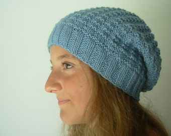 Woman slouchy knit hat