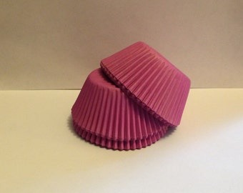 75 count - Grease Resistant Purple/Lavender standard size cupcake liners/baking cups