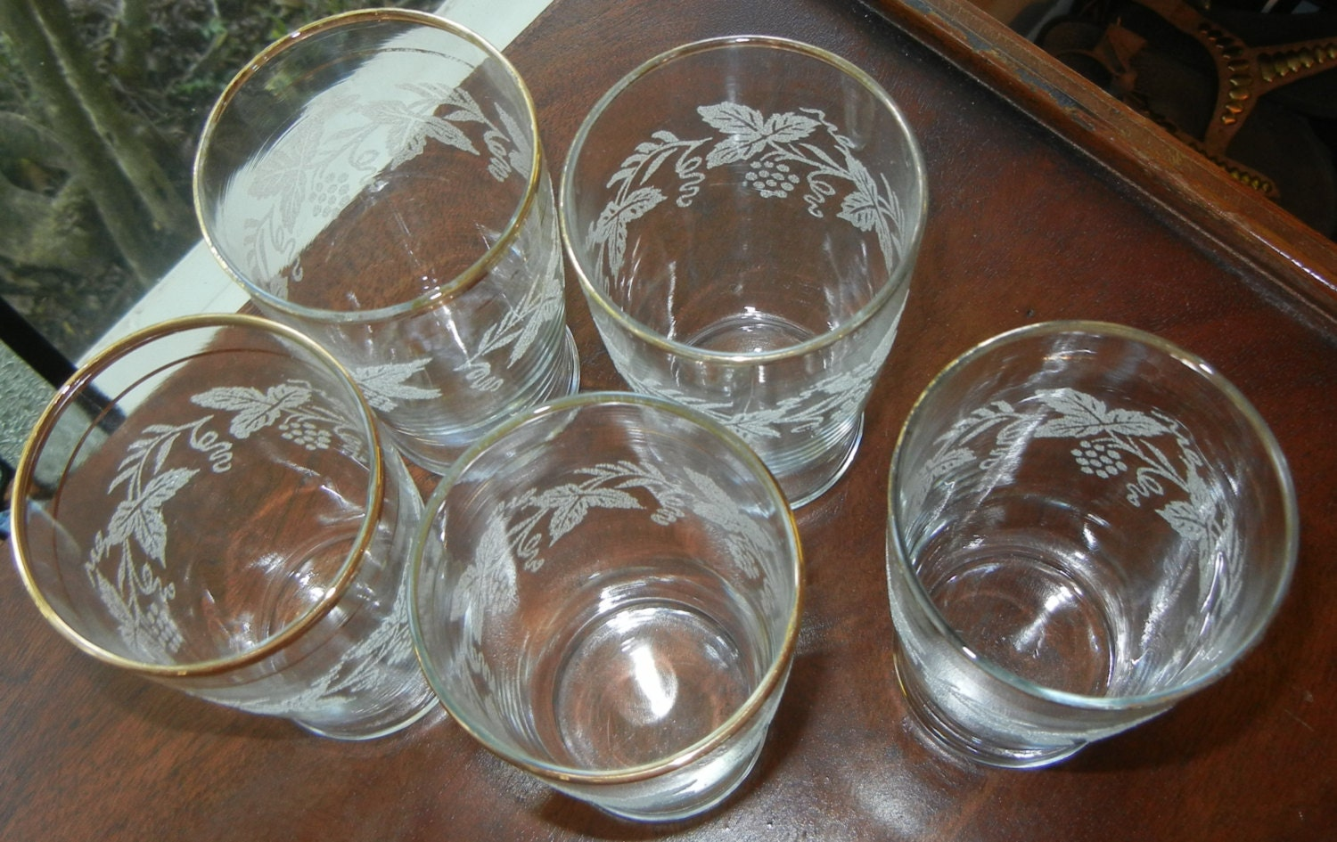 how to clean drinking glasses with film