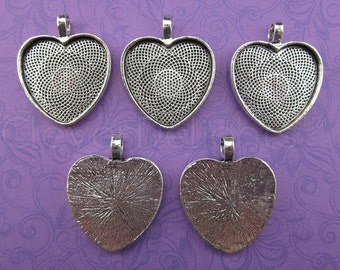 """20 - 1 Inch Heart Pendant Trays - Antique Silver Color - Vintage Antique Style Pendant Blanks Bezel Setting Cameo Resin 25 mm 1"""""""