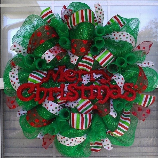 christmas wreath made with deco mesh and polka dot ribbon. Black Bedroom Furniture Sets. Home Design Ideas