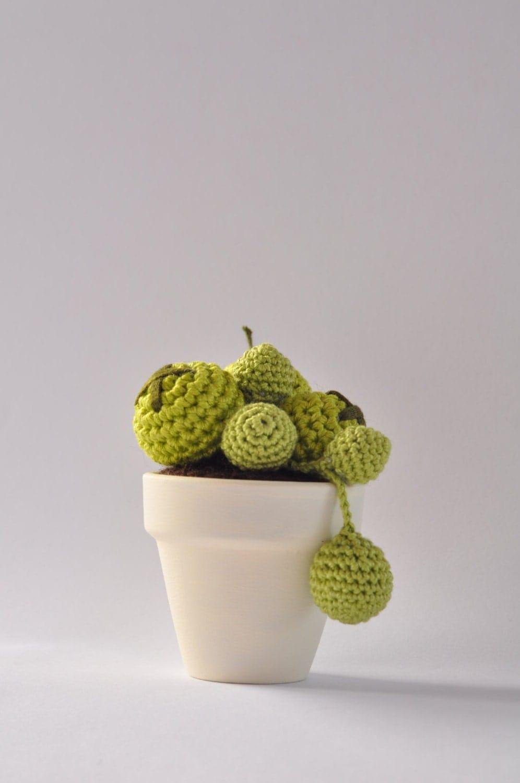 Mini cactus amigurumi crochet handmade in flower pot