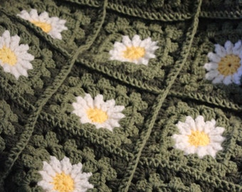 Daisy Granny Square Blanket - 3ft x 5ft