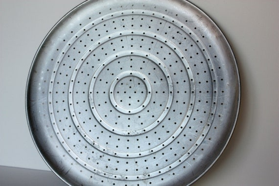 Vintage Ekco Large Perforated Pizza Pan Pizza Baker
