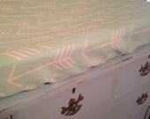 Arrow print changing pad cover mint