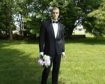 Late 50's / 60's men's Tuxedo / Vintage Tuxedo / men's Tux
