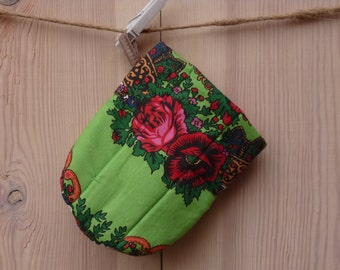 Oven Mitt, Ukrainian/Russian scarf floral ornaments,  Floral oven mitt, Potholder, green, floral pattern