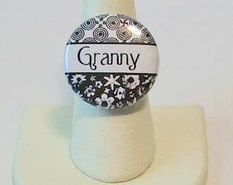 Black and White Floral Granny Grandmother Fashion Button Ring