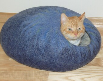 Felted Cat Cave / Pet Cave / Pets dog house/ Cat House / Cat Den / Cocoon / Blue and GIFT