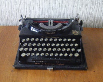 Imperial Typewriter Good Companion 1932 model 1 nr CA305 this Machine Produced in 1938  in Leicester  with Cover