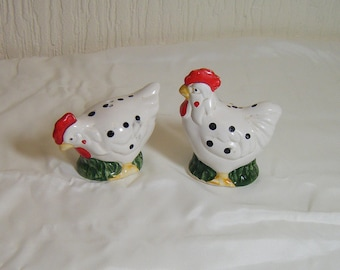 Vintage Chicken Kitch Salt and Pepper shakers