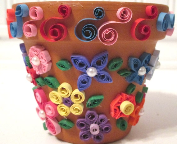 Basket with flowers, quilling for beginners