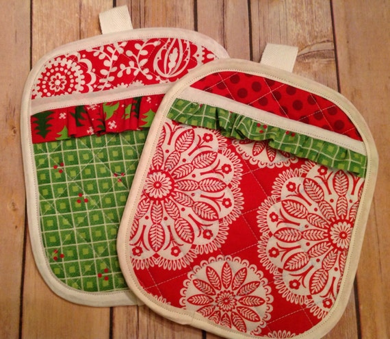 Red Pot Holders: Quilted Red And Green Christmas Pot Holders By