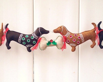 Dachshund Christmas Garland, Doxie Christmas Decoration, Wiener Dog Christmas Decoration, Dog Garland