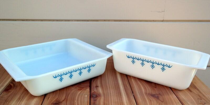 vintage pyrex blue square dish