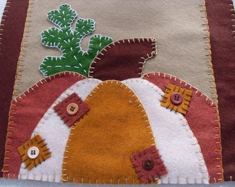 Wool Felt Table Runner Pumpkins and Leaves, Fall, Autumn, FREE SHIPPING!