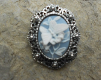Stunning Cameo Brooch (White Butterfly on Blue!!!! Beautiful Detail and Great Quality!!!!