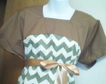 SALE!! 15 dollars OFF!! Maternity Hospital Gown with quick and discreet access for nursing - labor and delivery gown