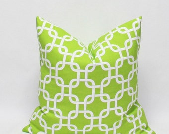Green Pillows Decorative Throw Pillow Covers Green Chain Link Pillows Cushion Covers Accent Pillows 20 x 20 Green and White Chain Link