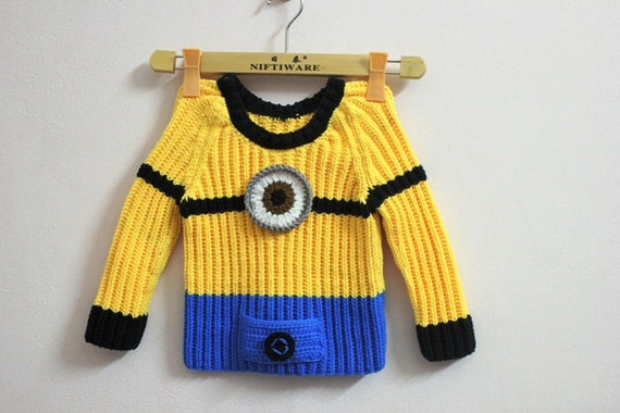 Minion girl/boy Sweater Despicable me Hand by NuageViolace ...