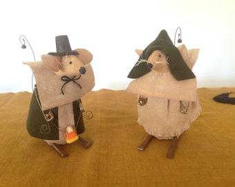 Thanksgiving Pilgrim Couple