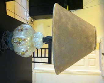 Accurate Lamp with top and bottom lighting