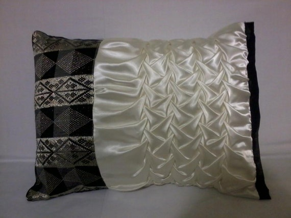 Black And Ivory Throw Pillows : Items similar to Decorative Pillow - Ivory & Black on Etsy
